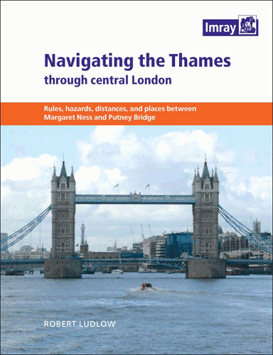 Navigating the Thames trough central London