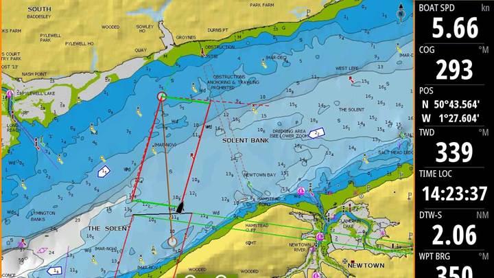 Anlegelinien beim Segeln hoch am Wind auf dem Kartenplotter anzeigen